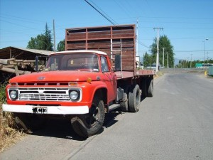 CAMION FORD F 600 A�O 1966 $2.200.0