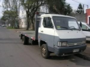 vendo camion nissan trade año 1997   $ 3 950 000