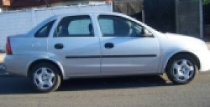 VENDO CHEVROLET CORSA EVOLUTION 1.8 FULL SEDAN.