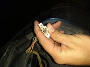 Reparacion de llamar cables quemado de foco trasero r