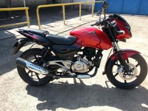 Vendo moto por apuro economico aÑo 2013.