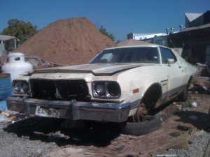 Vendo ford gran torino 1973 ts v8351c para restaurar