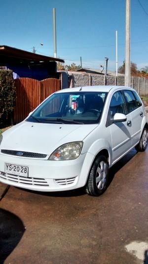 Vendo o permuto ford fiesta aÑo 2005 1.6